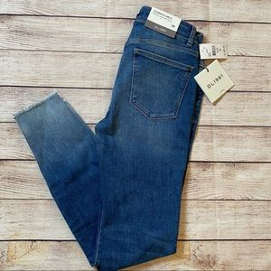 NWT DL1961 Florence Ankle Jeans - Size 28